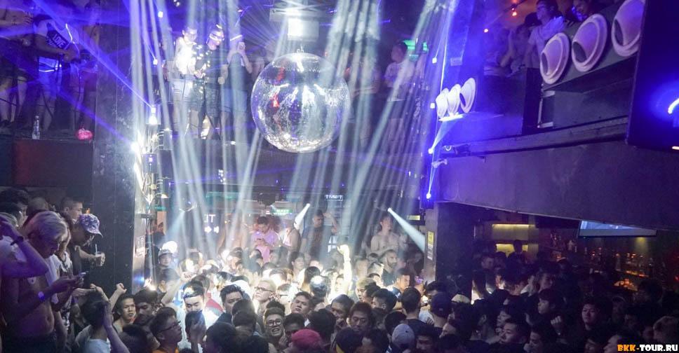 DJ STATION - пей клуб в Бангкоке