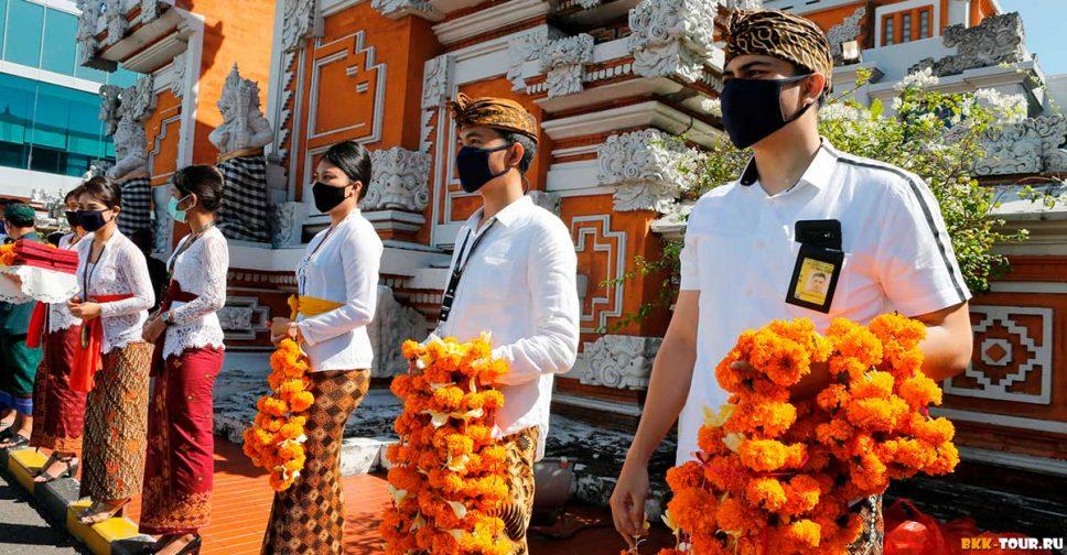 Сказочное не Бали. В Индонезии испугались мутировавший коронавирус