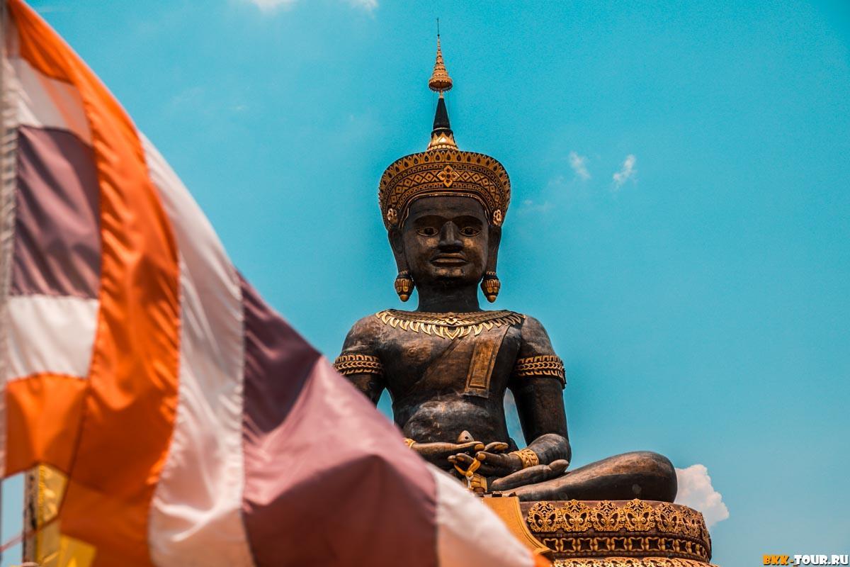 Buddha Thamaracha в провинции Пхетчабун
