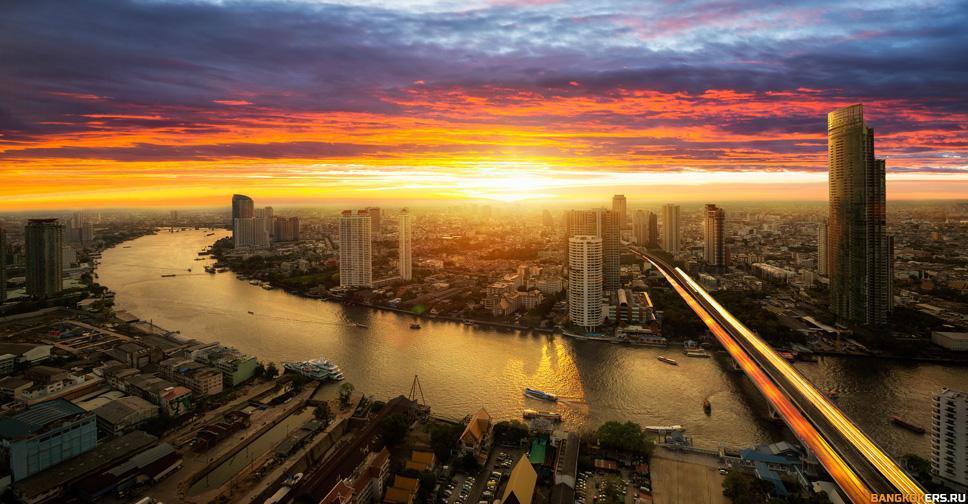Вид на реку Чаопхрайя на закате