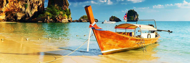 Длиннохвостая лодка в провинции Краби