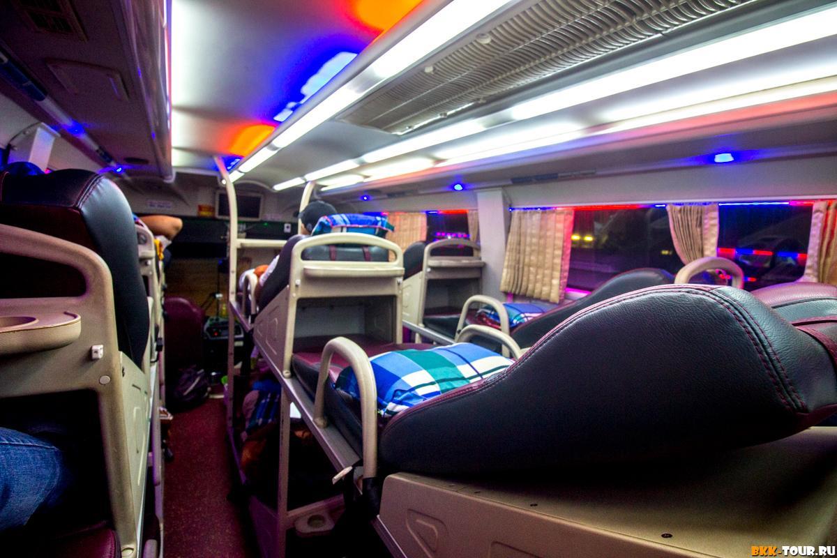 Спальный автобус. Вид внутри салона.