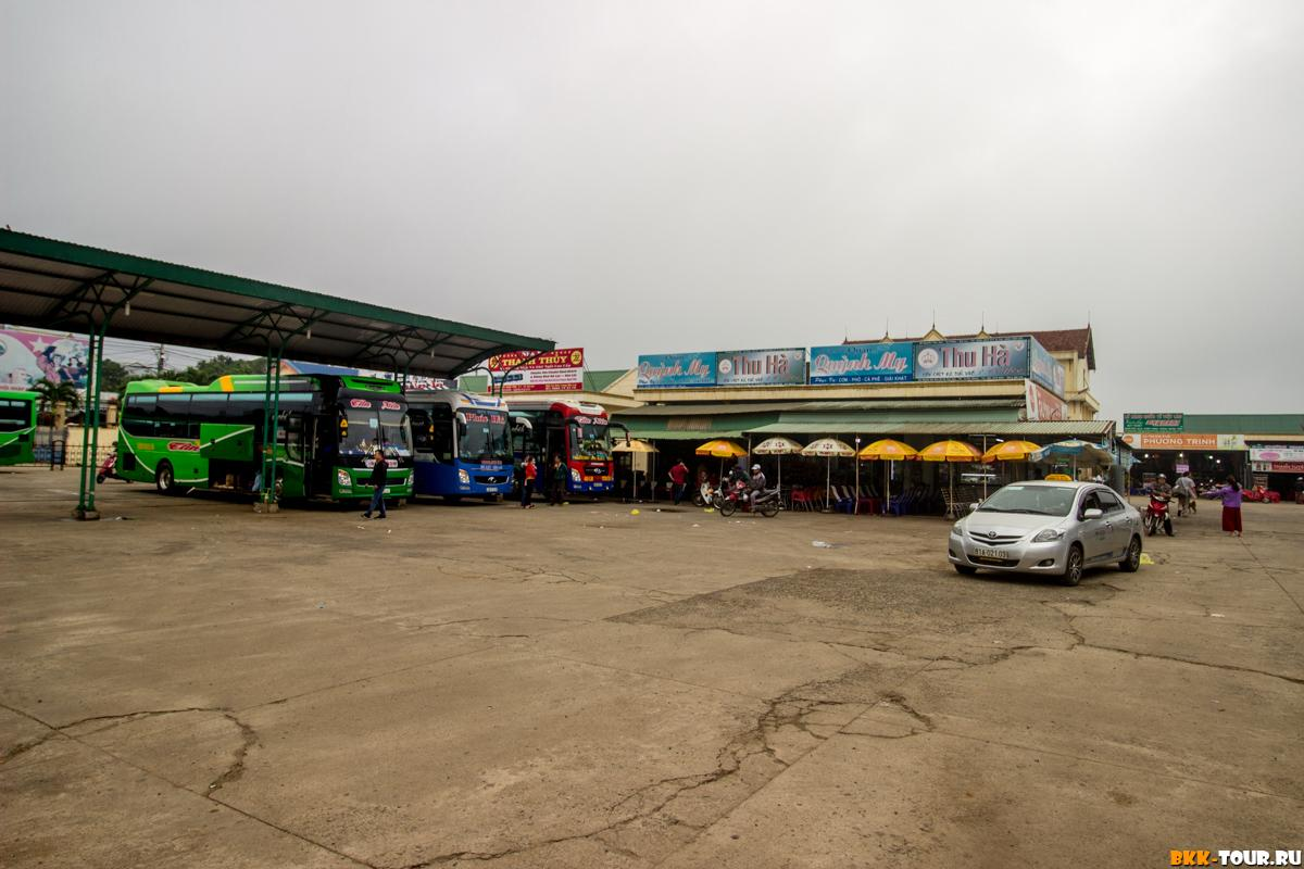 Автобусная станция в городе Плейку. Bến xe khách Đức Long Gia Lai Bus Station